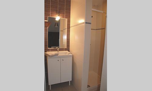 Good cst slaapkamer met dubbel bed commode douchekamer for Woonkamer intekenen